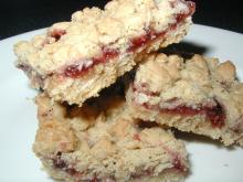 gluten free, egg free raspberry oat bar