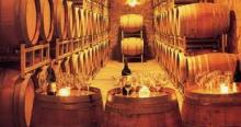 oak barrels used to age wine